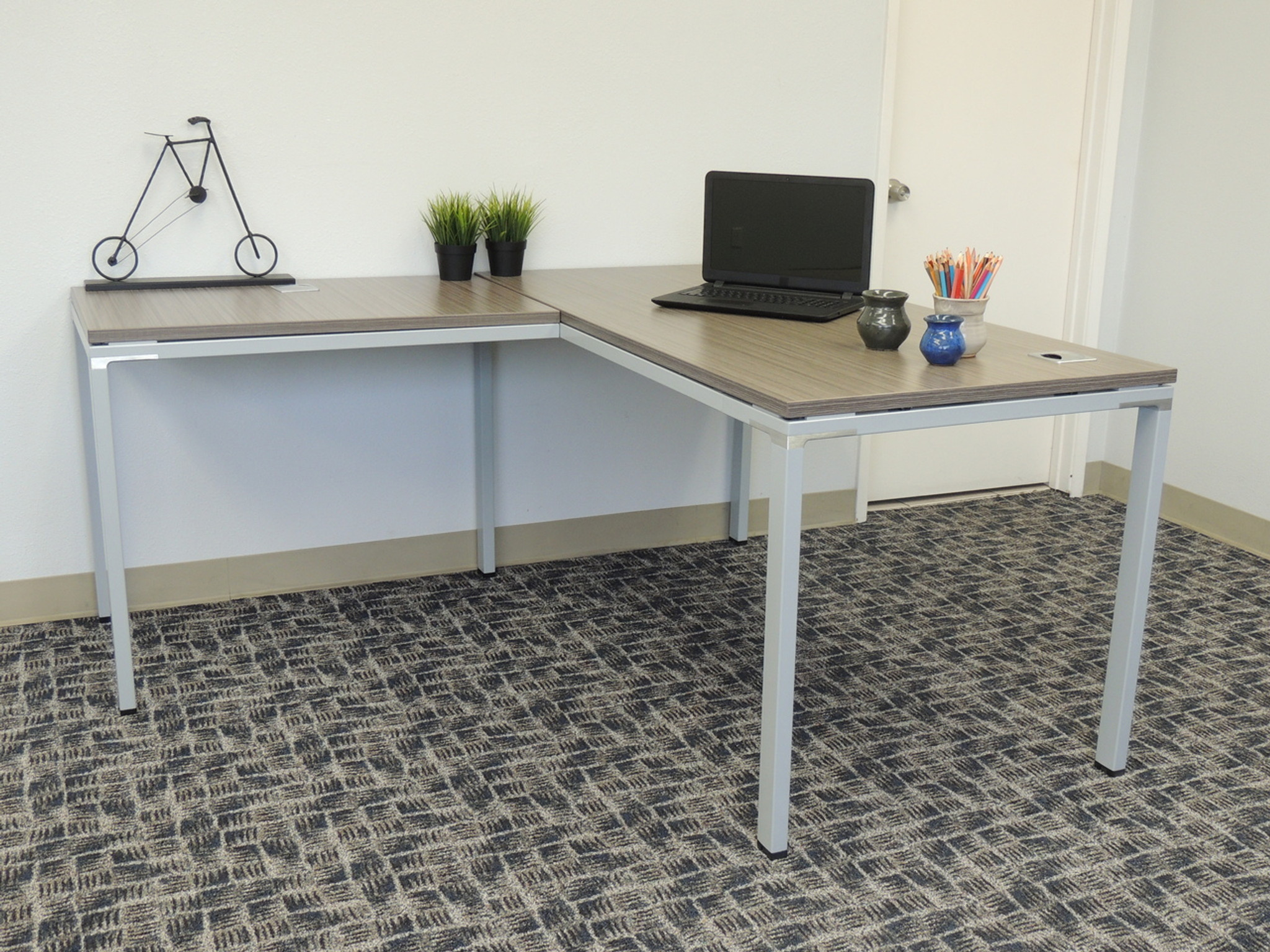 new and used desks for small spaces