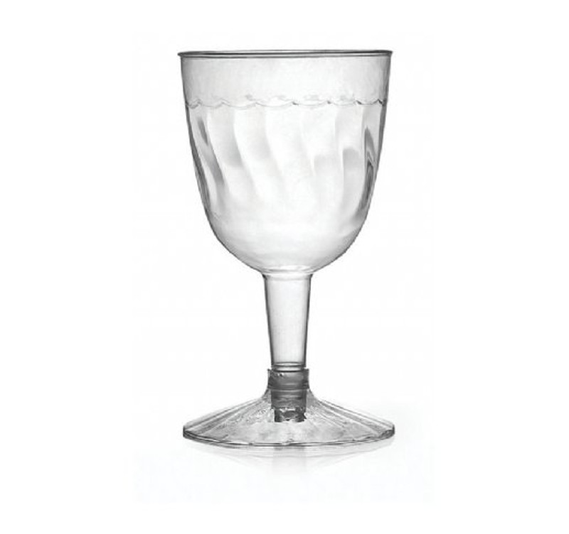 Flairware elegant wine goblets with scalloped design. Perfect for classy dinner parties or weddings. These goblets are made from heavyweight plastic. Sold in wholesale bulk and retail.