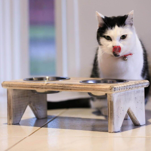 This wooden freestanding pet bowls stand adds rustic country charm and promotes better posture for your cat or dog when eating or drinking.