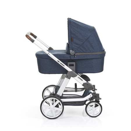 Condor 4 2017 Admiral Including Carrycot