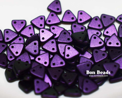 6mm Eggplant Miracle Iris 2 Hole Triangles (50 Grams)