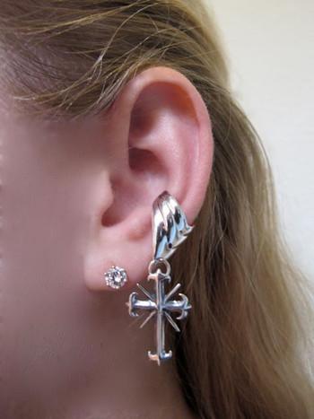 Gothic Cross Ear Cuff Chevron