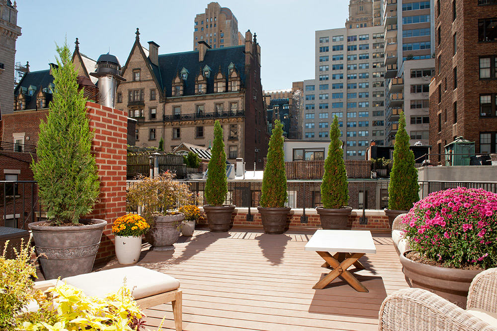 Stars and style outdoor patio inspiration urbilis for Hathaway furniture new york