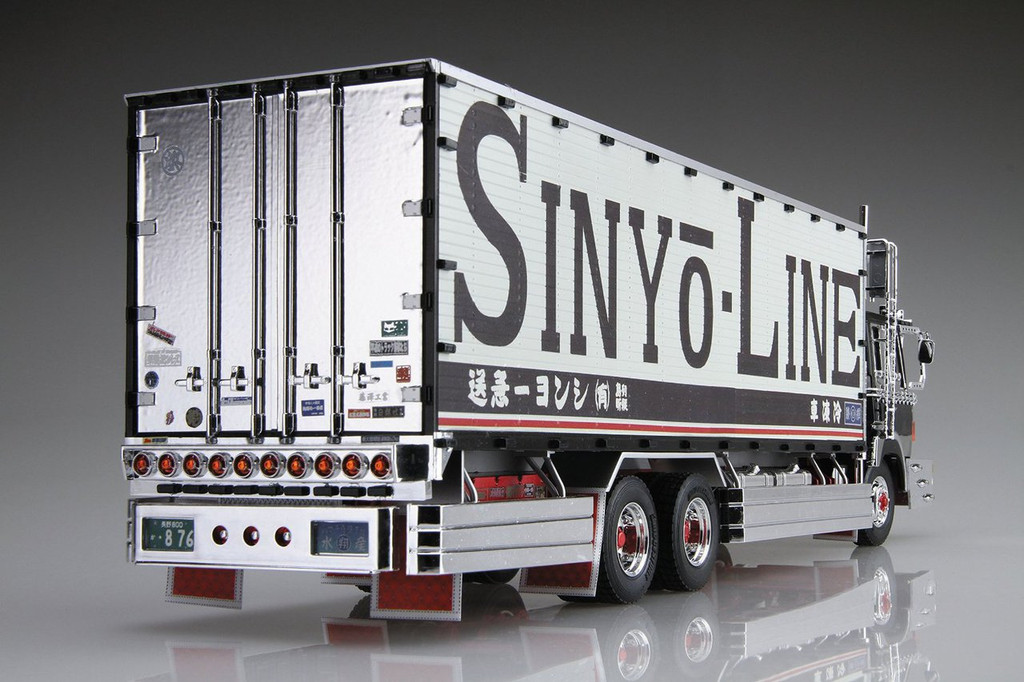 Aoshima 12765 Japanese Decoration Truck Shinyo Line Karei Maru 1/32 Scale Kit