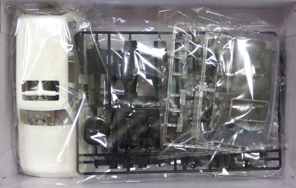 Fujimi ID-79 Toyota Land Cruiser 80 VAN VX 1/24 Scale Kit