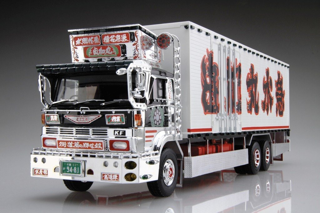 Aoshima 52037 Japanese Decoration Truck Shiina Line Express Fukusuke 1/32 scale