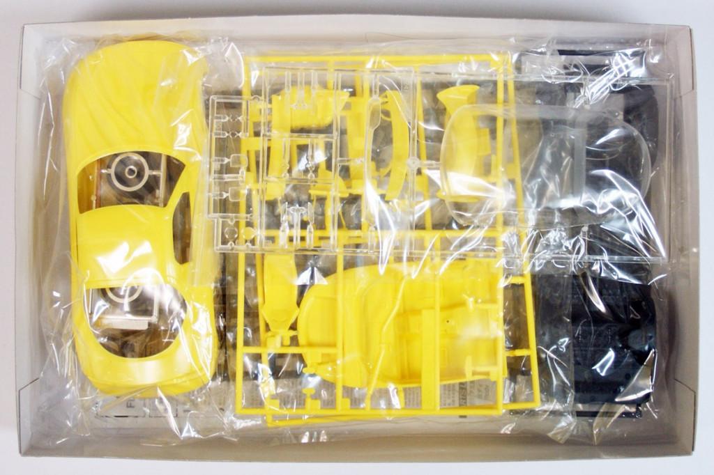 Fujimi ISD-10 Initial D RX-7 FD3S Keisuke 1/24 Scale Kit
