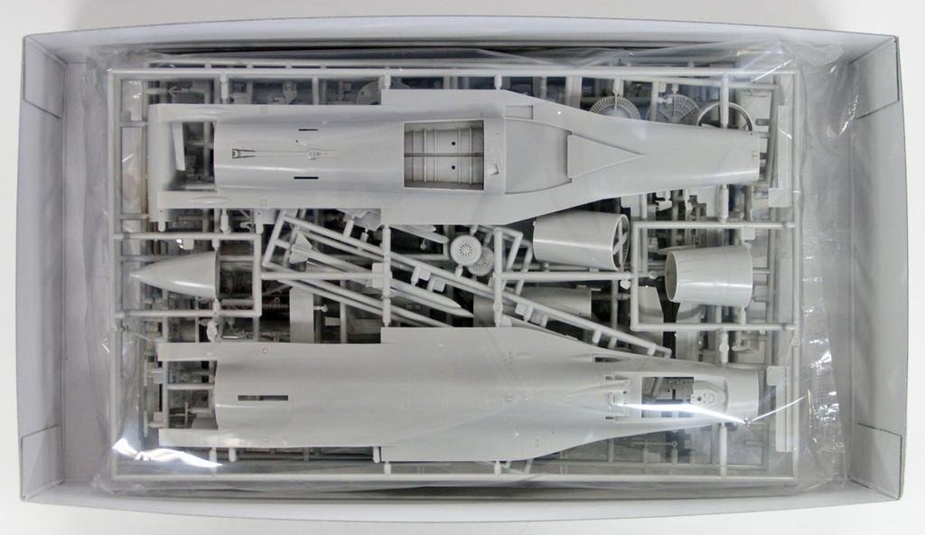 "Hasegawa 07452 F-16C (Block 52 Advanced) Fighting Falcon ""Tiger Demo Team"" 1/48 scale kit"