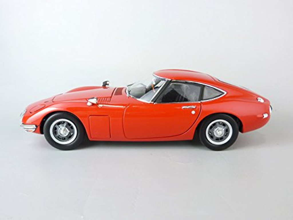 Ebbro 24031 TOYOTA 2000GT (Red) 1/24 Scale