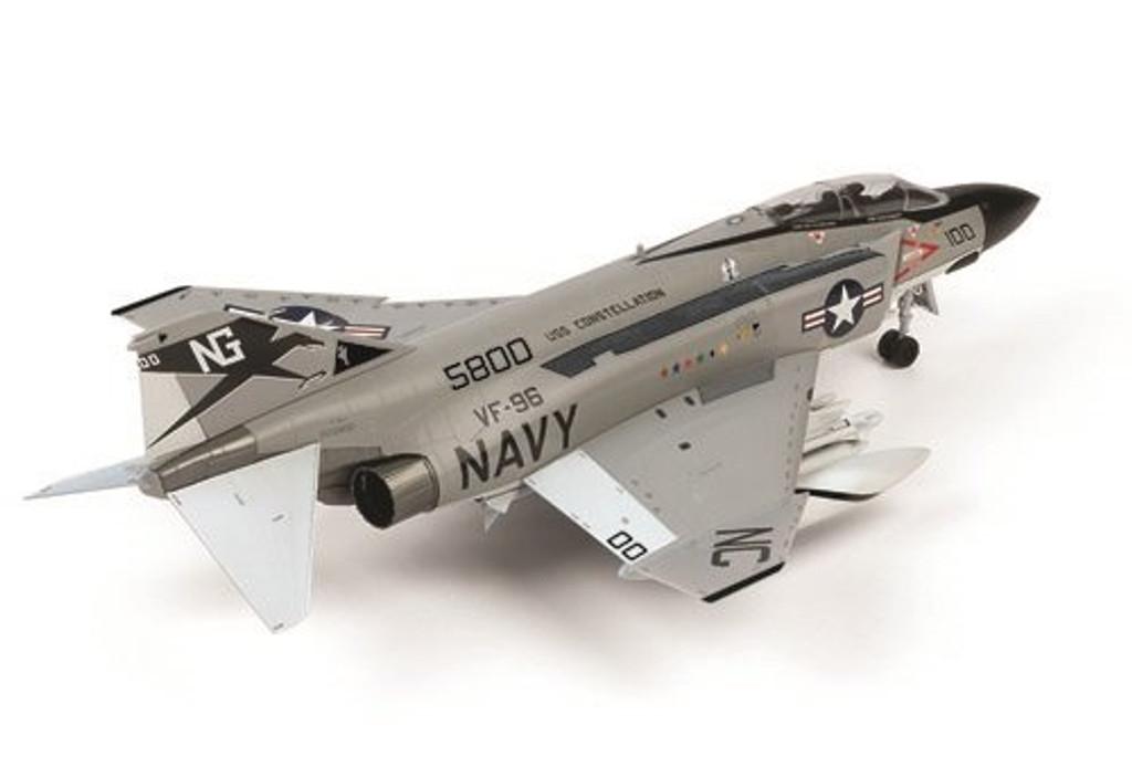 "Doyusha 412602 USN F-4J Phantom II ""Showtime 100"" 1/72 Scale Plastic Kit"