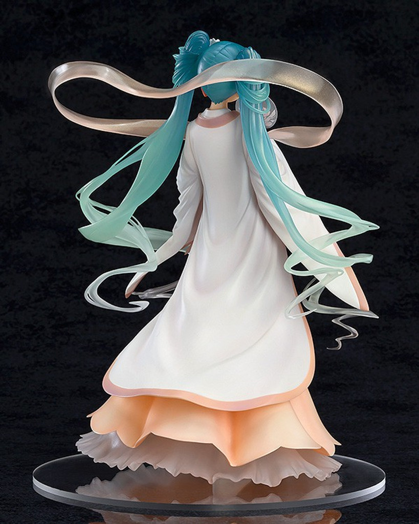 Good Smile Hatsune Miku: Harvest Moon Ver. 1/8 Scale Figure