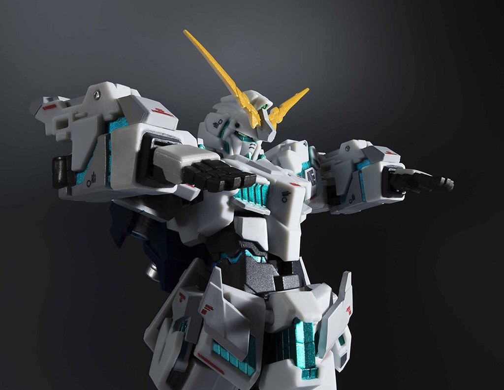 Bandai 239178 Robot Tamashii Gundam UC Unicorn Gundam (Awakened Mode) -Real Marking Ver.- Figure