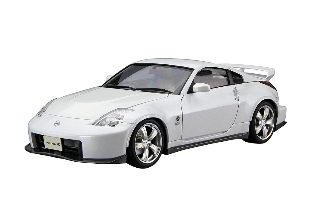 Aoshima 55229 Model Car 69 Nissan Z33 Fairlady Z Version Nismo 2007 1/24 scale kit