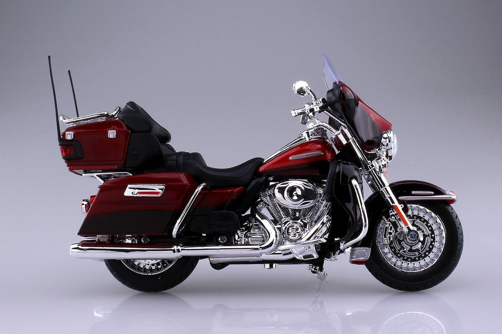 Aoshima Skynet 04446 Harley-Davidson 2013 FLHTK Electra Glide Ultra Limited Red 1/12 Scale Finished Model