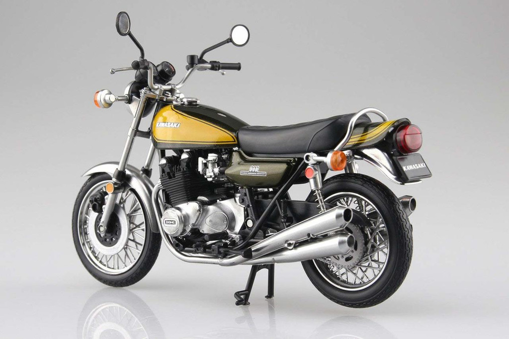 Aoshima Skynet 04590 Kawasaki 900Super4 (Z1) Yellow Ball 1/12 Scale Finished Model