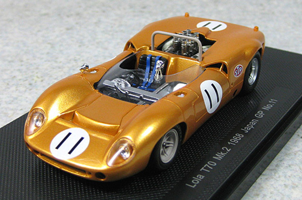 Ebbro 44275 Lola T70 Mk.2 1968 Japanese GP No.11 (Gold) 1/43 Scale