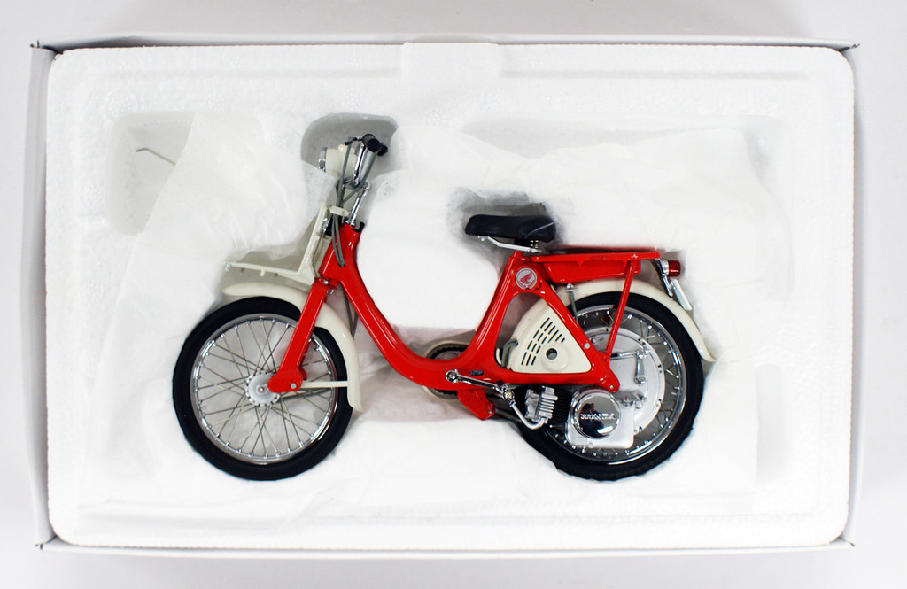Ebbro 10015 Little Honda P25 (Red) 1/10 Scale