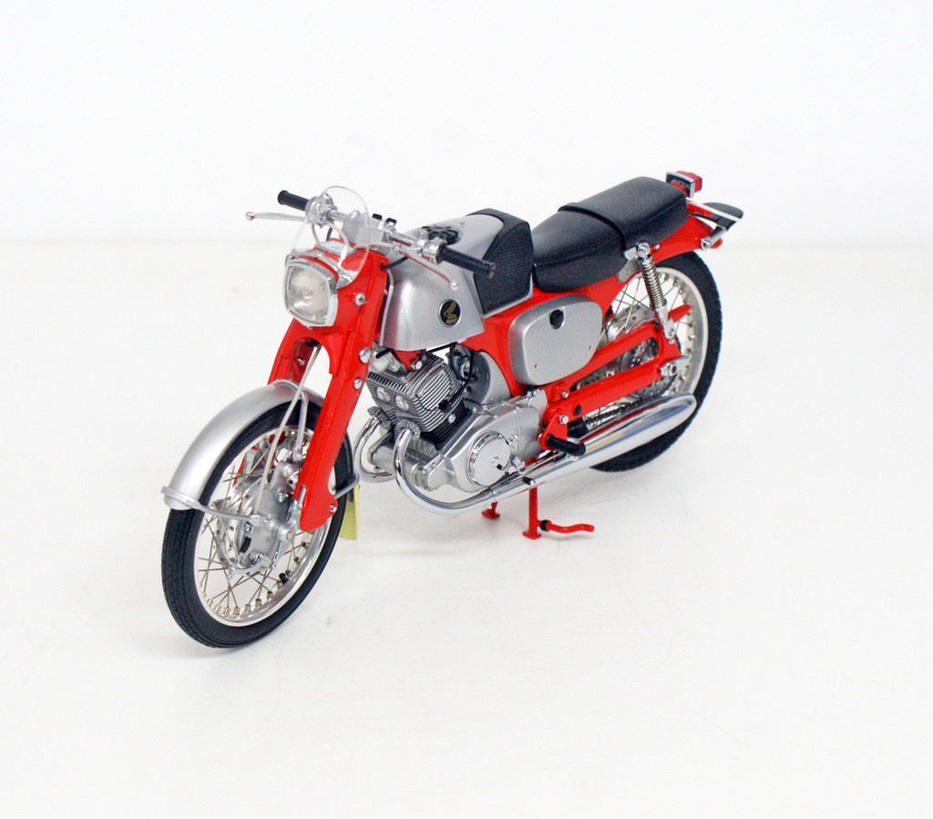 Ebbro 10023 Honda CB92 (Red) 1/10 Scale