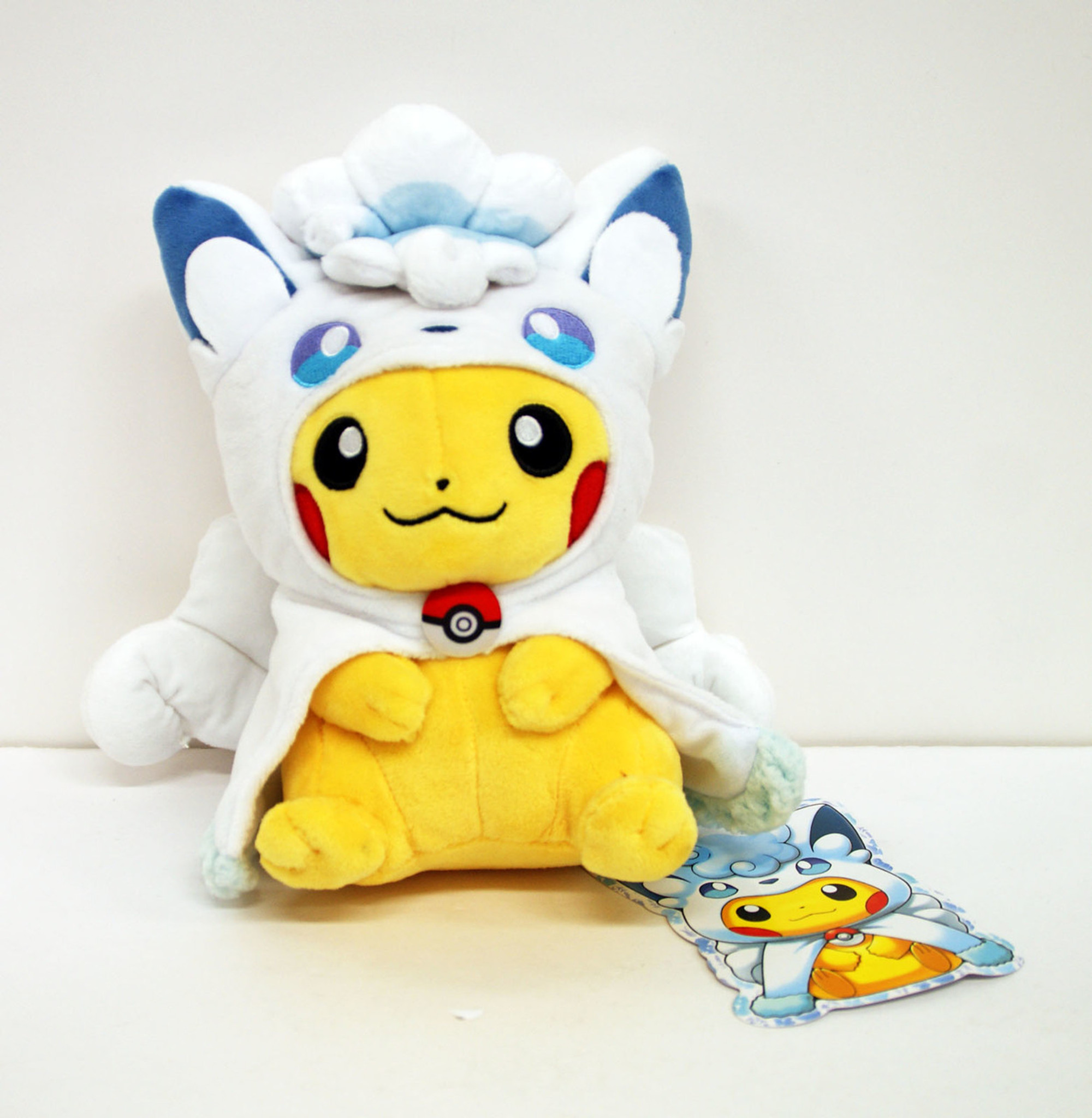 Pokemon Center Original Plush Doll Alola Vulpix Rokon Poncho Pikachu