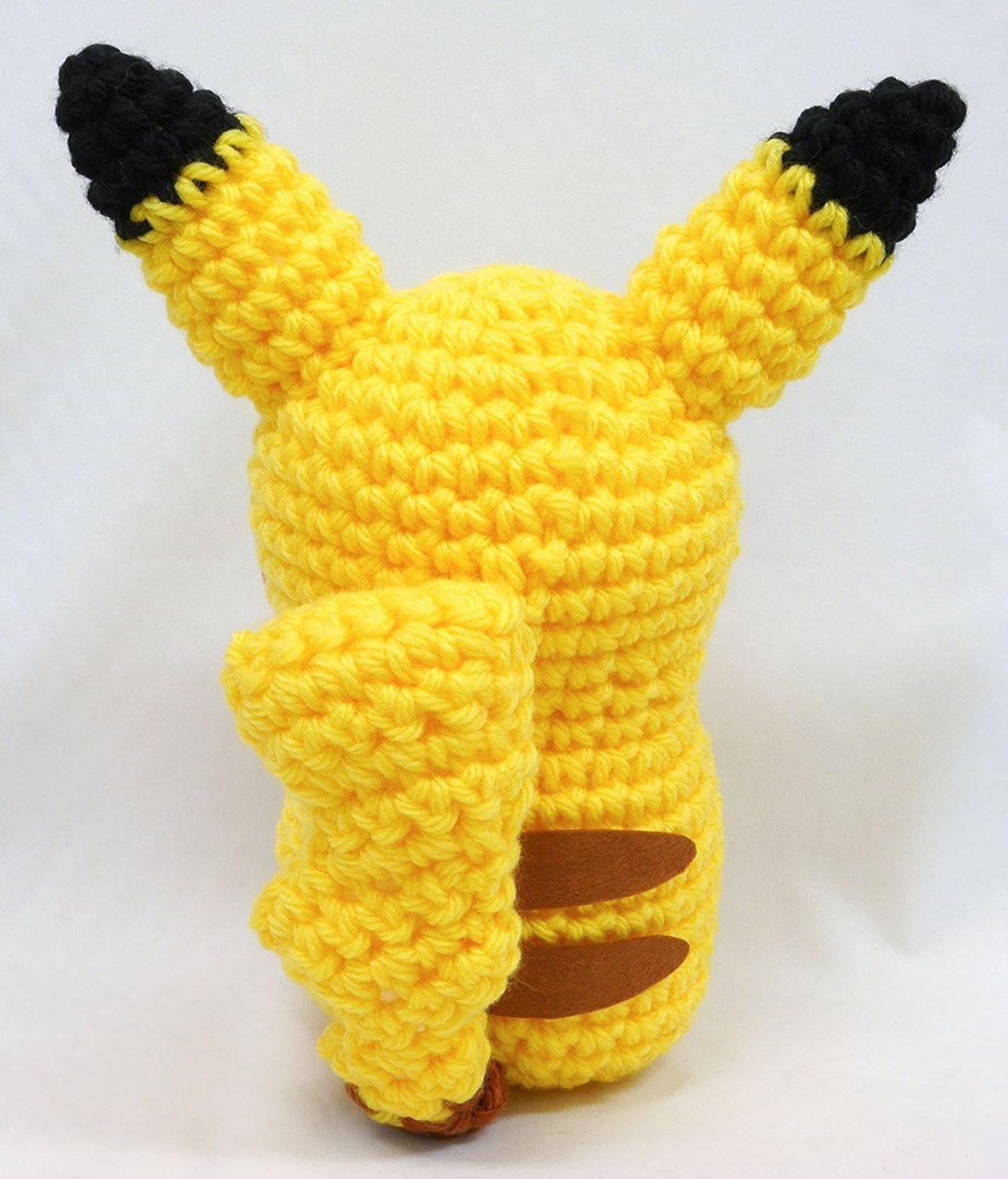 Hamanaka H306-168 Pokemon Pikachu Big Amigurumi (Crochet Doll) Kit