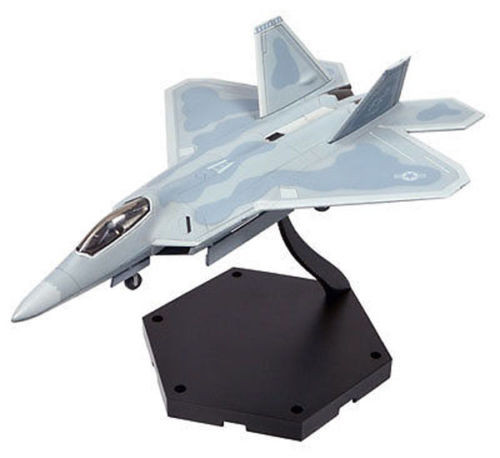 Doyusha 402023 Super Fighter F-22 Raptor 1/144 Finished Model