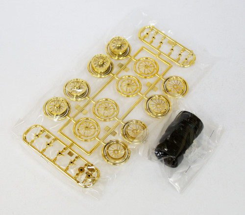 Fujimi TW20 Wire Mesh Gold Narrow Wheel & Tire Set 17 inch 1/24 Scale Kit