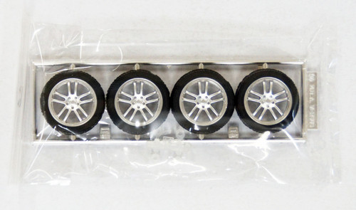 Fujimi TW27 VERSUS EU LINE V-152 Wheel & Tire Set 18 inch 1/24 Scale Kit