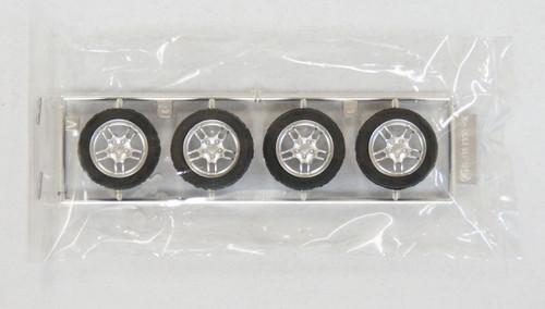 Fujimi TW49 R33 GT-R Wheel & Tire Set 17 inch 1/24 Scale Kit