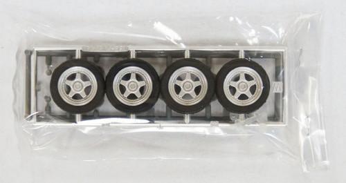 Fujimi TW55 OZ Racing Wheel & Tire Set 17 inch 1/24 Scale Kit