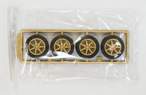 Fujimi TW67 Yokohama Model 7 Wheel & Tire Set 17 inch 1/24 Scale Kit