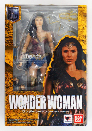 Bandai 197812 S.H. Figuarts Wonder Woman (Justice League) Action Figure