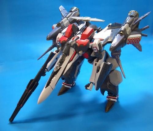 Bandai 594457 Macross VF-25F Armored Messiah Valkyrie Alto Custom 1/72 Scale Kit