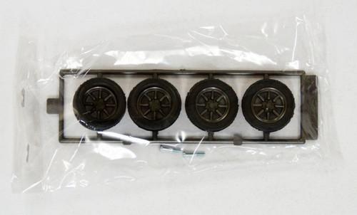 Fujimi TW30 RS Watanabe 15 inch Wheel & Tire Set 1/24 Scale Kit