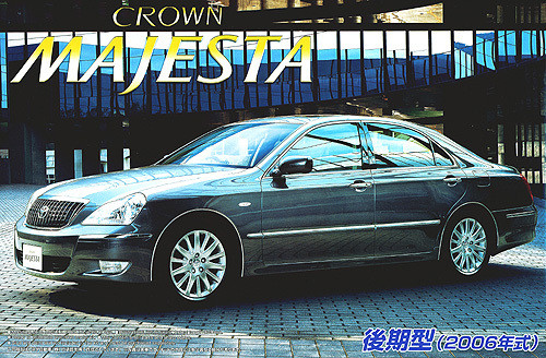 Aoshima 39106 Toyota Crown Majesta (UZS186) 1/24 Scale Kit