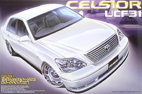 Aoshima 39762 Toyota Celsior (UCF31) Custom 1/24 Scale Kit