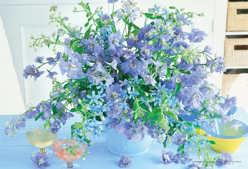 Yanoman Jigsaw Puzzle 03-869 Beautiful Flowers Icicle Blue (300 Pieces)