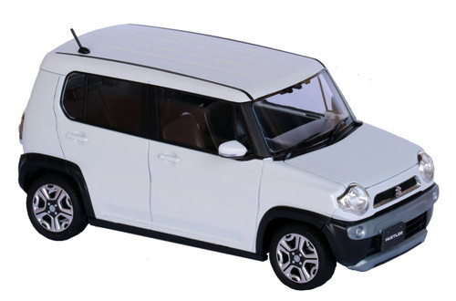 Fujimi 066059 Suzuki Hustler (Pure White Pearl) 1/24 scale pre-painted kit