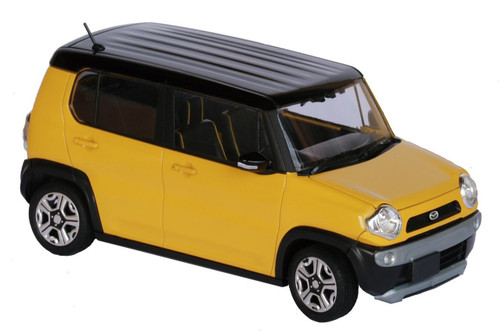 Fujimi 066042 Mazda Flair Crossover (Active Yellow) 1/24 scale Pre-painted kit