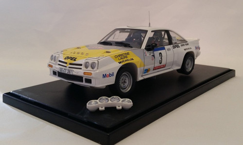 Aoshima (BELKitS) 105498 Opel Manta 400 GR.B Guy Frequelin Tour de Corse 1984 1/24 Scale kit