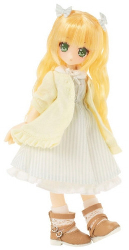 "Azone KPT018-YEL Mushroom Planet ""Love T-Shirt"" Yellow"