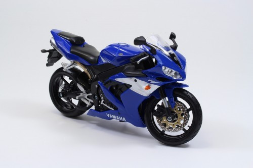Aoshima Skynet 05610  YAMAHA YZF-R1 1/12 Scale Finished Model