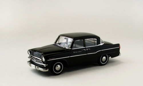 Ebbro 44880 Toyopet Crown RS21 Taxi (Black) 1/43 Scale