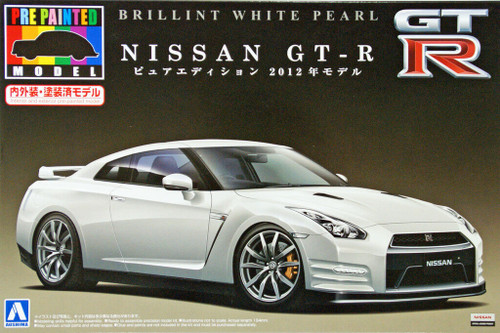 Aoshima 08072 Nissan GT-R 2012 White Pearl 1/24 Scale Kit (Pre-painted Model)