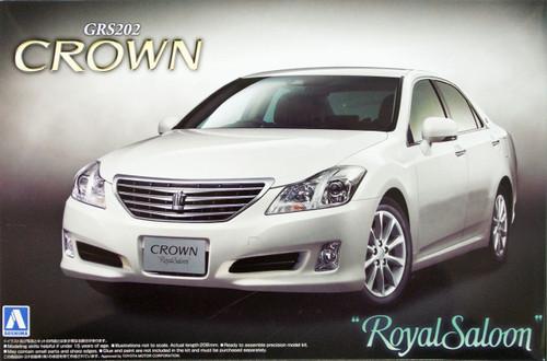 Aoshima 43691 Toyota Crown 3.0 Royal Saloon (GRS202) 2008 1/24 Scale Kit
