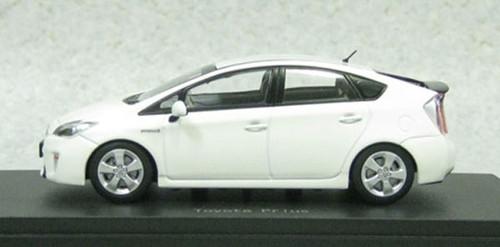 Ebbro 45151 Toyota Prius Super White II 1/43 Scale