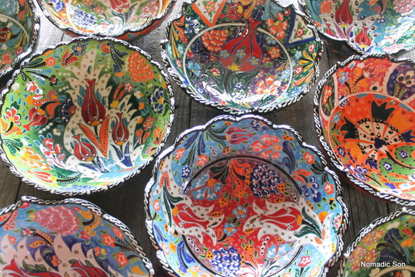 20cm Wavy Kabartma Bowls - handmade and hand painted in Turkey.