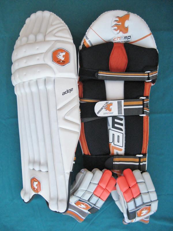 CHAMP ADGE - Men's Senior Level Batting Pads & Gloves Set