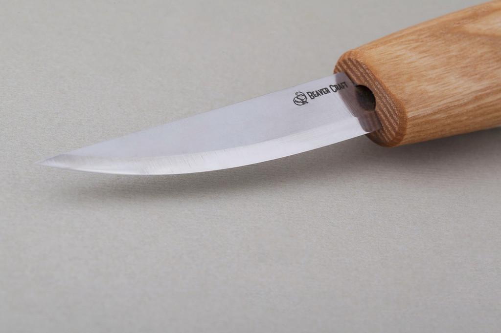 Beaver Craft Whittling Sloyd Knife with Oak Handle showing the hardened steel edge.