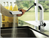 Moen 90 Degree Single-Handle Pull-Out Sprayer Kitchen Faucet Spot Resist Stainless Finish