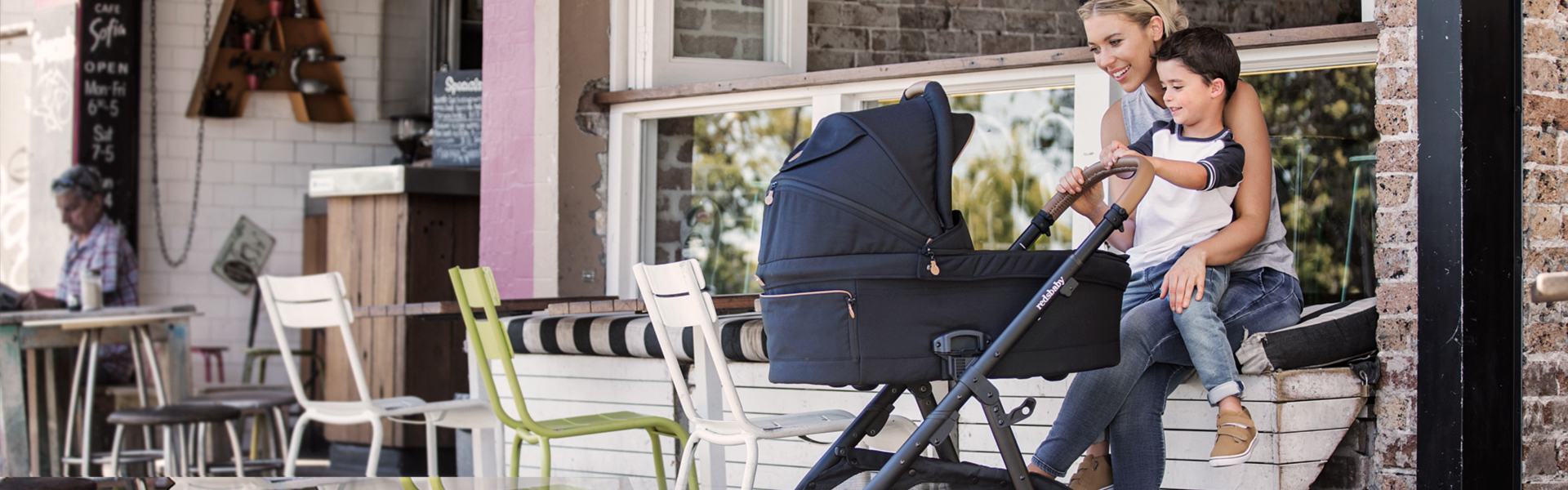Our guide to choosing the best travel stroller 2018 family.